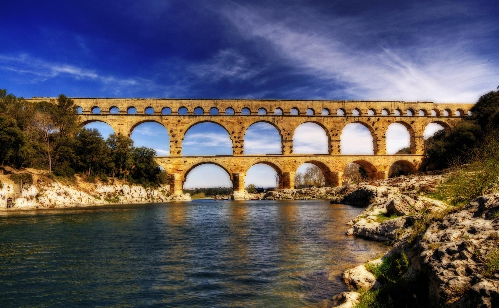 Roman aqueduct of Pont du Gard (Southern France)
